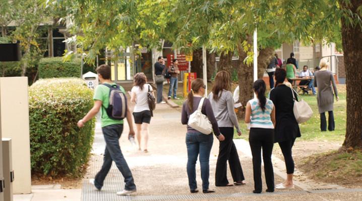 Reid_Campus_Students_Quad.jpg